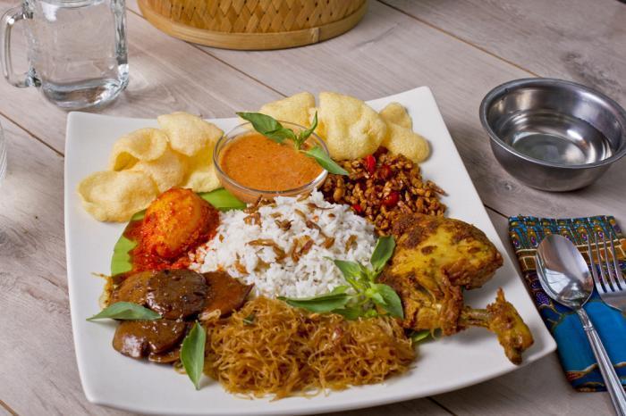 Apa Penyebab Setelah Makan Nasi Uduk Mata Mengantuk ?