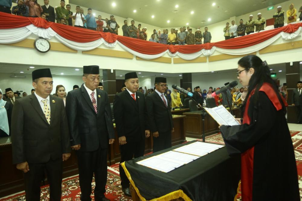 DR H Ferriyandi ST MM Dari Partai Golkar Dilantik Jadi Ketua DPRD Kab Inhil Periode 2019-2024