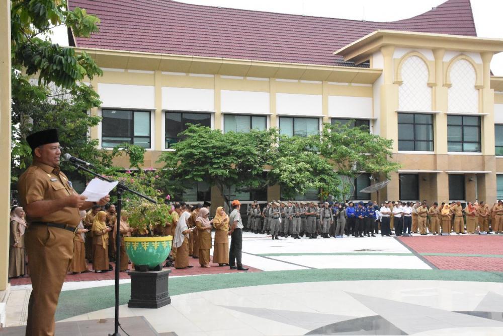 Apel Gabungan ASN dilingkup Pemkab Kampar, Sekda Himbau ASN/THL Pintar menggunakan  Media Sosial.