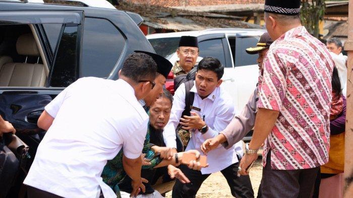 Ini Kronologi Kejadian Penusukan Wiranto Menteri Politik Hukum dan Keamanan(Menko Polhukam)