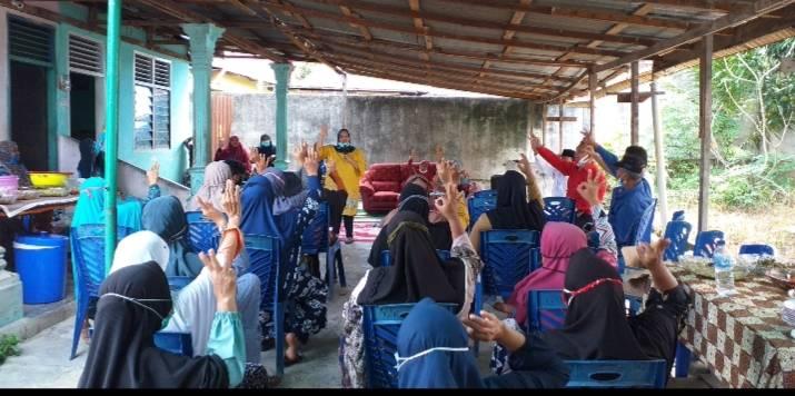 Warga Simpang Padang Berbondong-bondong Dukung Kasmarni Menjadi Bupati Bengkalis.