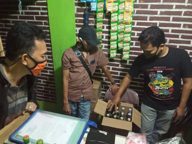 Kepolisian Sektor Pataruman Sita Puluhan Botol Miras