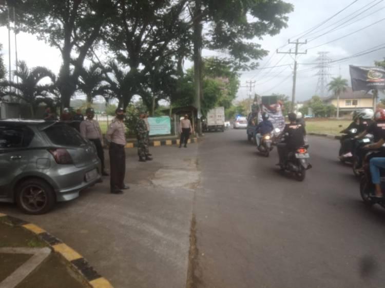 Kepala Kepolisian Resor Banjar AKBP Melda Yanny, S.I.K., M.H Kawal Penyampaian Pendapat Di Muka Umum Oleh FSBB