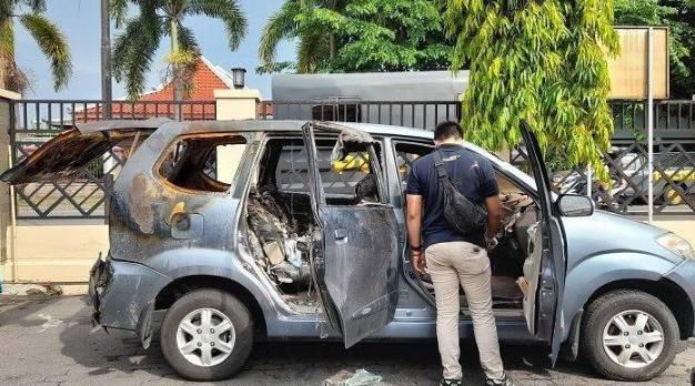 Istri Dokter jadi Korban Pembunuhan Sadis Dibakar di Mobil, Ternyata Kerabat Presiden Jokowi