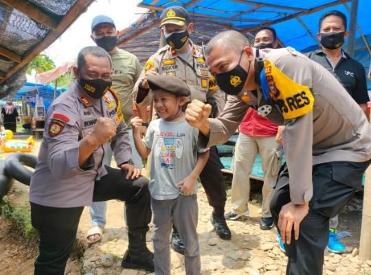 Kapolres Kampar Bersama PJU Tinjau Objek Wisata Sungai Gelombang saat Libur Bersama