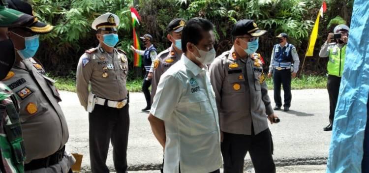 Kapolres Kuansing Mengecek Langsung Pos Jaga di Daerah Kasang Lubuk Jambi Kuantan Mudik