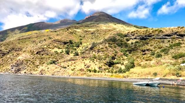 Berkunjung ke Pulau ini di Klaim dapat Membangkitkan Hasrat Bercinta yang Telah Pudar