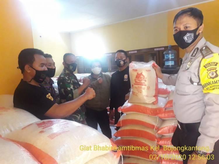 Bhabinkamtibmas Bojongkantong Awasi Pendistribusian Bansos JPS