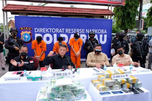 Polda Riau Kembali Gulung Sindikat Narkoba, 5 Pelaku Diringkus Bersama 36 Kg Sabu