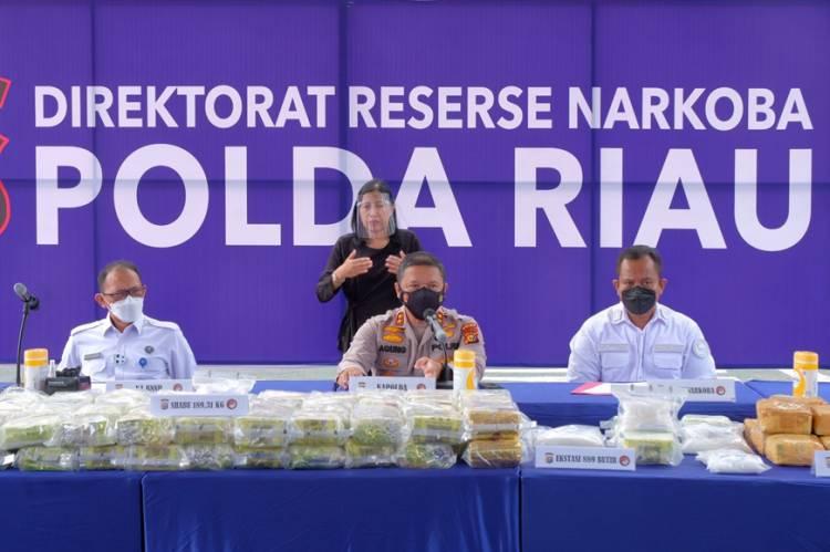 Tim Polda Riau Gulung 7 Pelaku Dan Amankan 87 kg Sabu, Kapolda Ingatkan Masyarakat Tak Tergiur Bujuk Rayu Sindikat