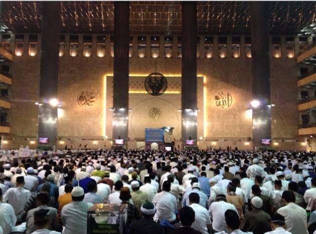Bolehkah Shalat Sunnah Saat Khatib Khutbah ?