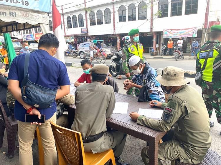 Tiga Warga Tembilahan yang Melanggar Prokes saat Penerapan PPKM Jalani Sidang Ditempat