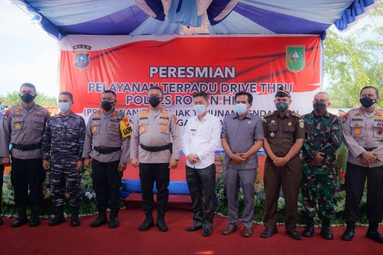 Pertama di Riau, Kapolda Resmikan Driver Thru Pelayanan SIM, Pajak dan SKCK di Polres Rohil