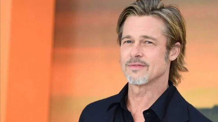 """Wow, 6 Pria Selebriti Hollywood Ini Digosipkan Memiliki """"Burung"""" yang Kecil"""