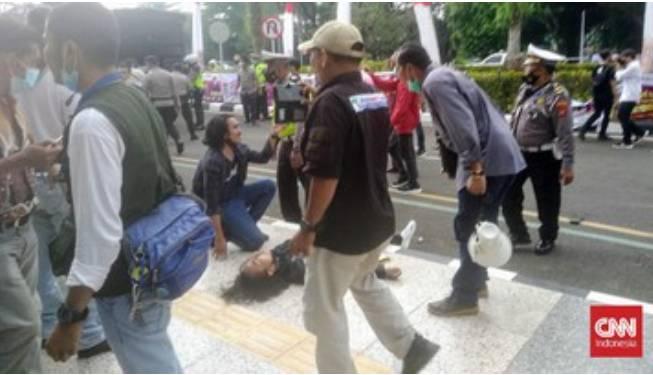 Mahasiswa Korban Smackdown Polisi Membaik, Tunggu Hasil Medis