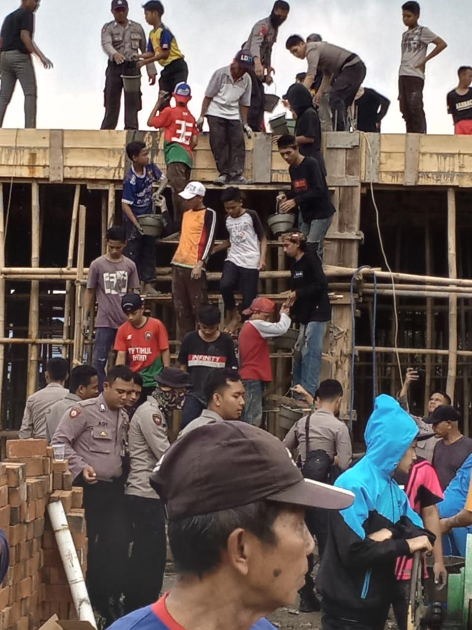 Polres Banjar Lakukan  Karya  Bakti Pembangunan Mesjid