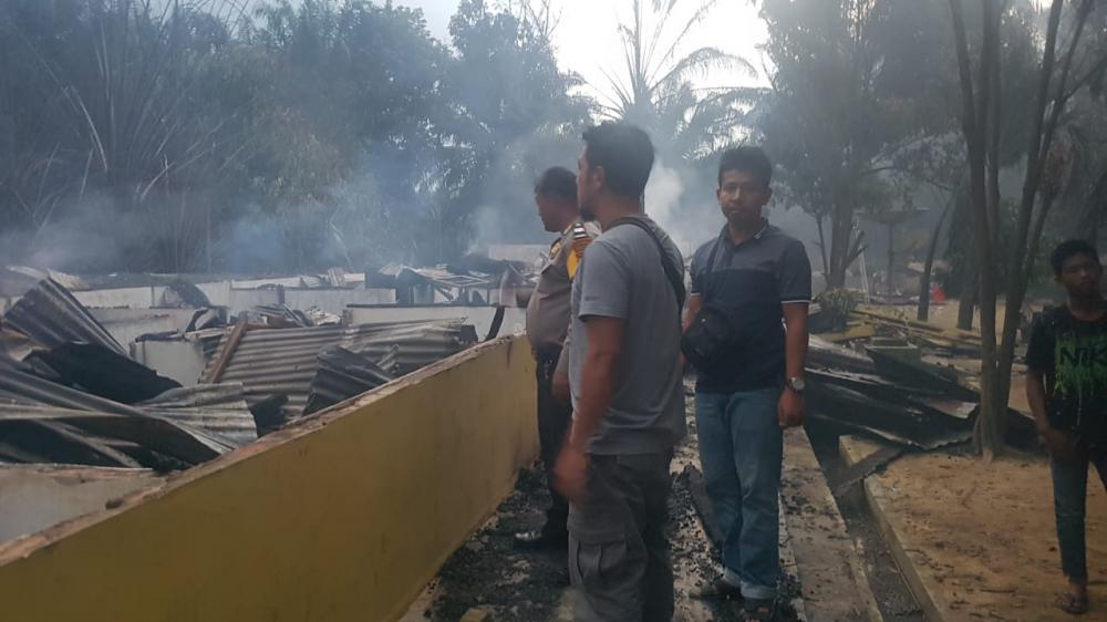 Asrama SMK Teknologi Balam Kebakaran Sore Tadi, 37 Kamar Tinggal Puing