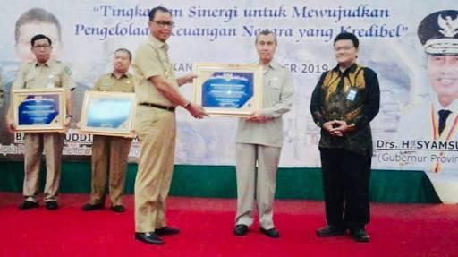 Rohil Terima Anugrah Pertama WTP 2018 Dari BPK.