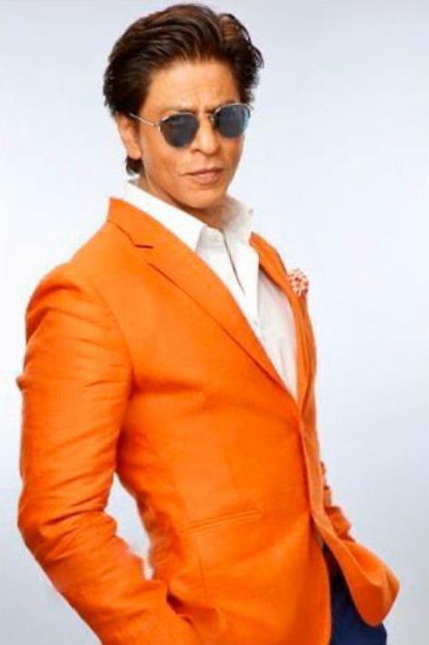 Saat Artis Bollywood Shah Rukh Khan Ulang Tahun Dapat Kejutan Dari Teman Temannya.