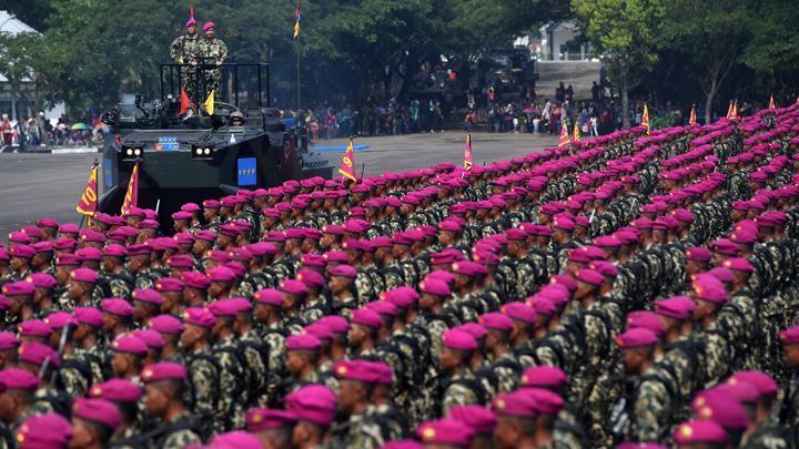 Aksi Prajurit TNI Korps Marinir Dalam Hari Ulang Tahun Korps Marinir ke-74
