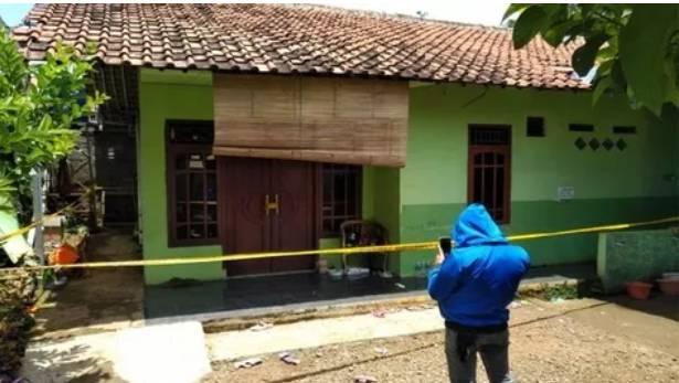 Diduga Korban Pembunuhan,Guru Ngaji Tewas Tampa Busana Didalam Sumur Rumahnya