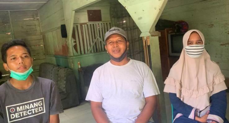 Mengharukan, Anak Buruh Penderes Karet di Kuansing Lulus Menjadi Anggota Polri