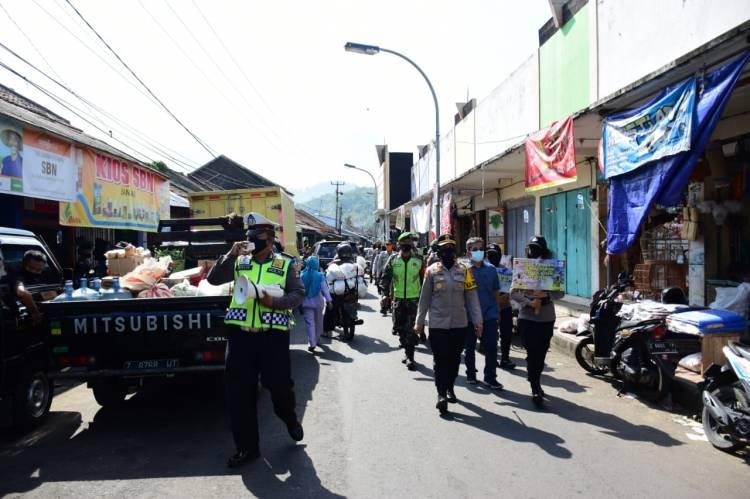 Kembali, Kapolres Banjar Mendatangi Pasar Kota Banjar