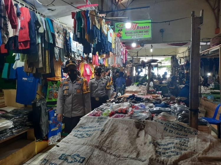 Di Pasar Kota Banjar, Kapolres Banjar Woro-woro Sampaikan Protokol Kesehatan