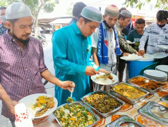 Kegiatan Jumat Berkah Polres Kampar, Sediakan Makan Siang bagi Mahasiswa dan Masyarakat