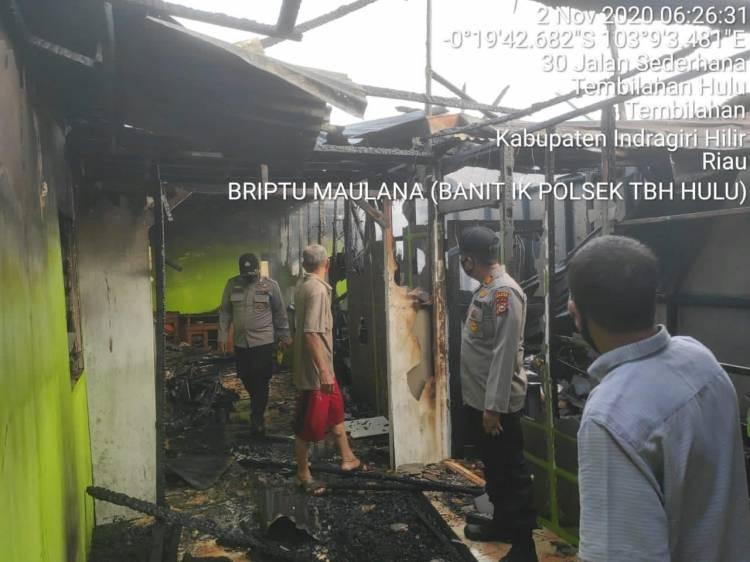 2 Unit Rumah di Jalan Sederhana Tembilahan Ludes Dilalap si Jago Merah