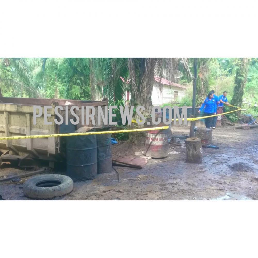 Polres Rohil Police Line Lokasi Diduga Tempat Pengoplosan CPO di Bagan Batu