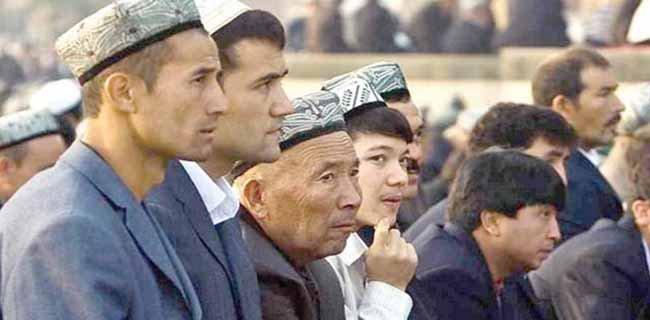 Menggugah NU dan Muhammadiyah, Muslim Uighur Disiksa, Diam atau Ganti Kain Kafan?