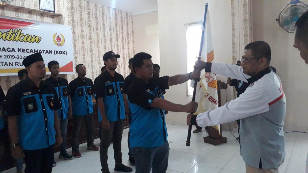 Ketua KONI Bengkalis Lantik Pengurus Koordinator Olahraga Kecamatan Rupat  2019 _ 2023