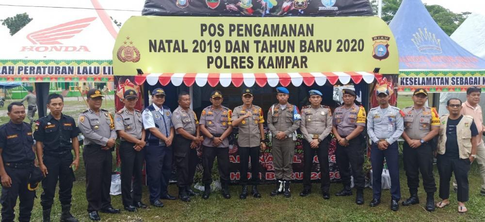 Kapolres Kampar Cek Pos Pam Ops Lilin 2019 dan Arus Lalin di Jalan Lintas Riau - Sumbar
