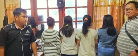 Campur Gerakan Sholat dan Goyang Dengan  Musik Disko 3 Remaja Ditangkap