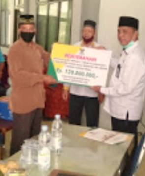 BAZNas Rohul Salurkan Rp 120 Juta Kepada 480 Guru Ngaji di 16 Kecamatan se-Rohul