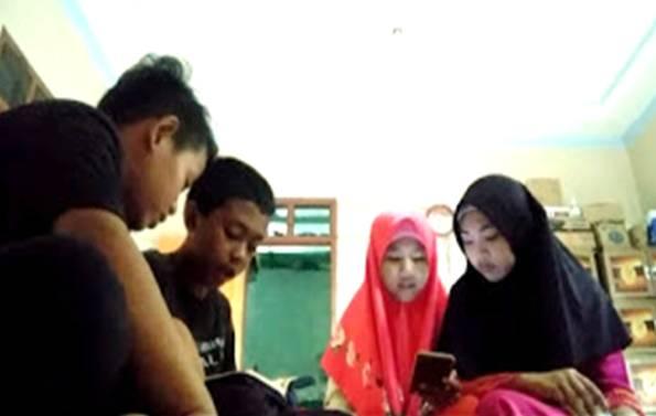 Menumbuhkan Nilai Karakter Siswa dengan Pembiasaan Membaca Al-Quran Melalui Metode AKSI KELAPA