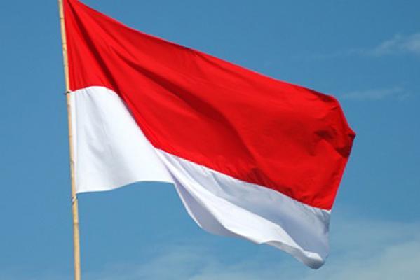 HUT RI ke- 70, Pj. Bupati Meranti Himbau Warga Pasang Bendera Merah Putih