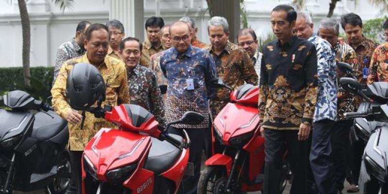 Juru Bicara(BPN) Prabowo Sandi Ferry Juliantono:Apa kabar Mobil EsemKa,Pertumbuhan Ekonomi dan Guru Honorer