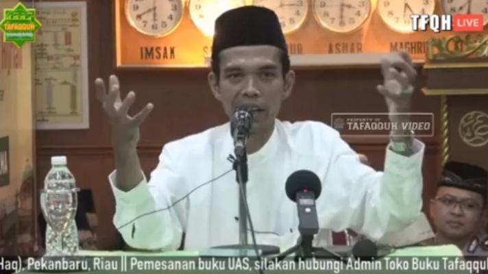 Ustaz Abdul Somad Blak-blakan Beberkan Isi Lemari Pakaiannya: Saya Cuma Punya 5 Sarung