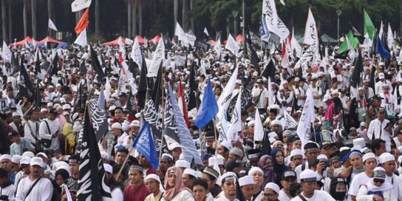 Gubernur Anies:Massa 212 Lebih Banyak Daripada Massa menyambut Tahun Baru 2018,Tapi Sampahnya Sedikit