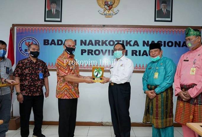 Bupati Kabupaten Indragiri Hilir HM Wardan Kunjungi BNNP Riau
